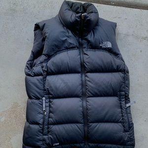The north face 700 down nupste vest black jacket
